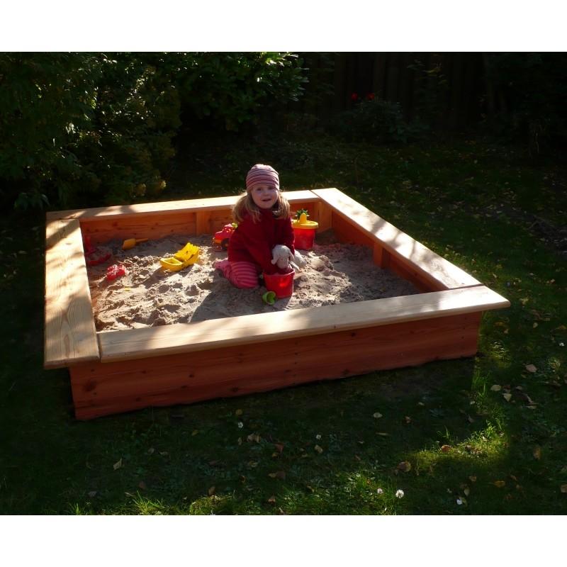 stabiler sandkasten aus l rche mit breitem sitzrand. Black Bedroom Furniture Sets. Home Design Ideas